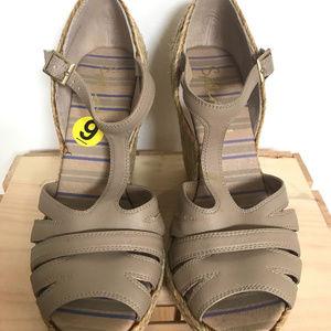 Splendid Wedges Tan Leather Sandals